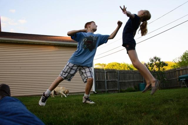 kidsfighting-1