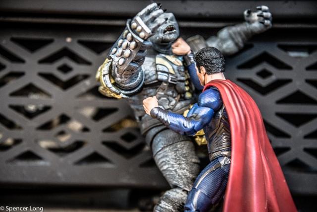 Superman.vs.monster-7